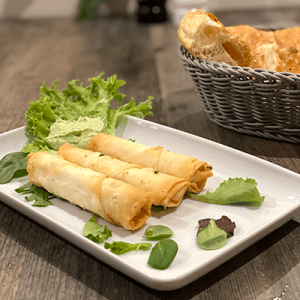 Teigröllchen mit Käse gefüllt - Rollos de masa con queso